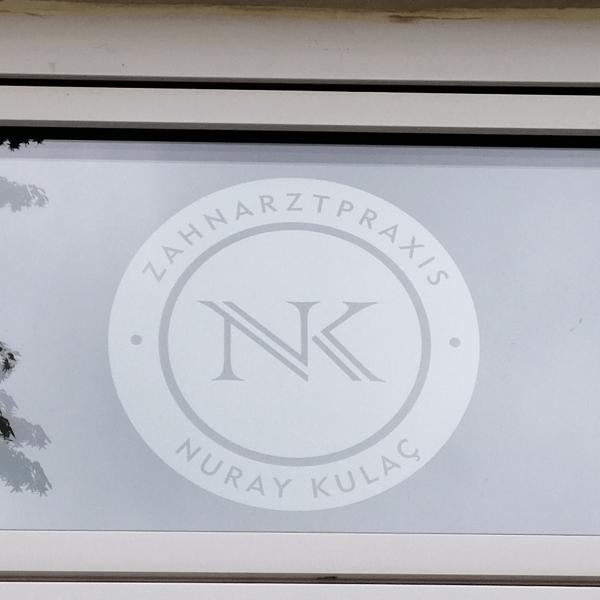Sichtschutzfolien zahnarztpraxis Hamburg - Oberlicht